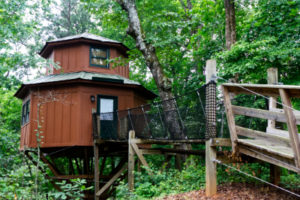 Tree house hotel room in the woods of North Georgia